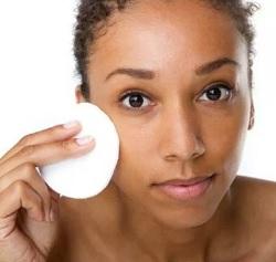 6 Manfaat Baby Oil Untuk Wajah Flek Hitam yang Bagus