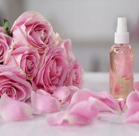 9 Cara Membuat  Spray Wajah Dari Air Mawar di Rumah
