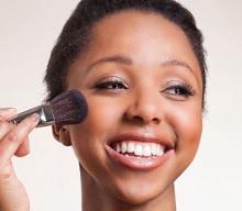 6 Tips Memilih Blush On yang Cocok