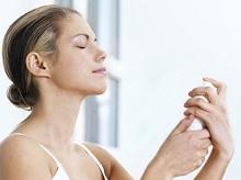 9 Cara Memakai Toner Spray Dengan Benar